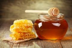 Натуральный мёд: разнотравье, липовый, гречишный.
