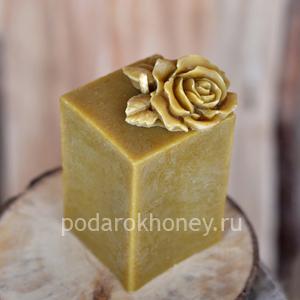свеча из воска куб с розой