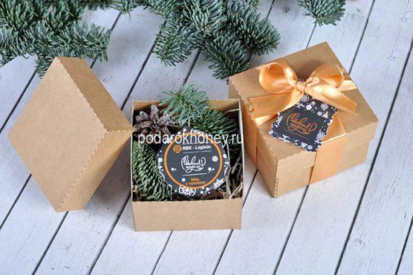 мед в коробочке с логотипом