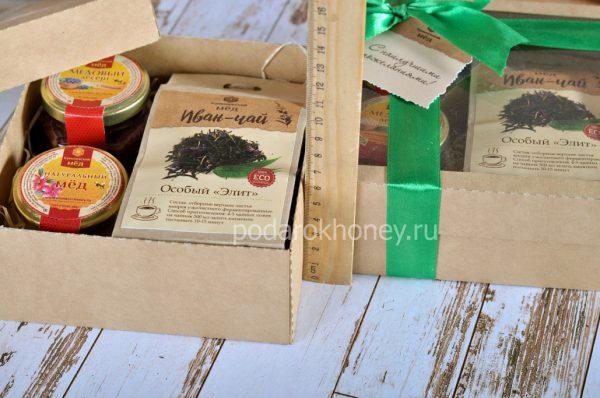 баночки меда и десерта
