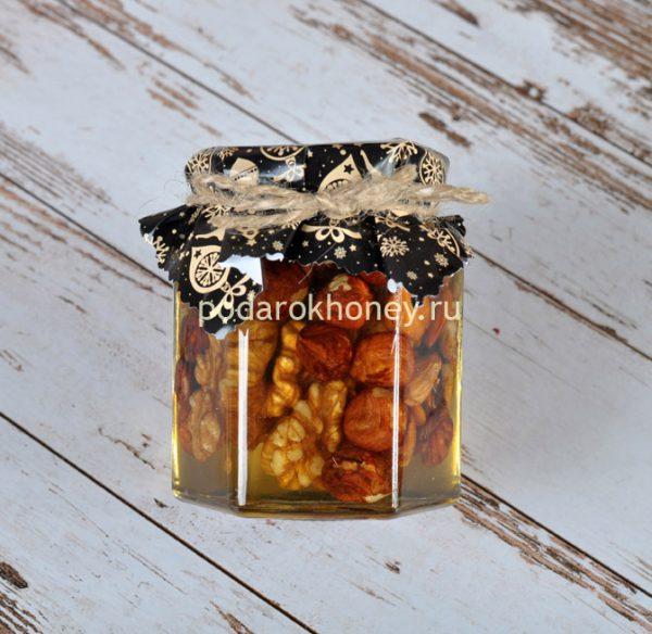 мед с орехами черный