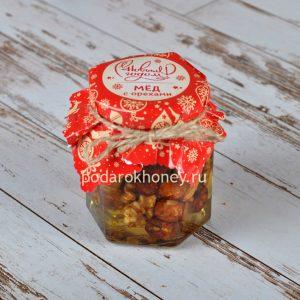 мед с орехами 250 грамм на Новый год