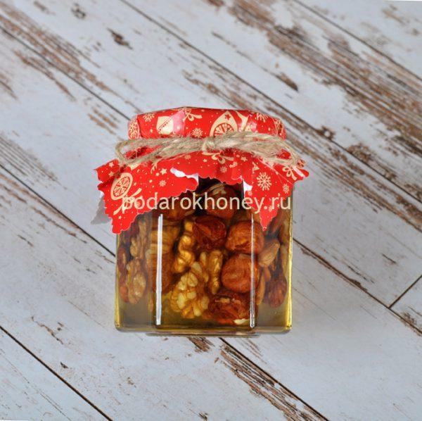 мед с орехами на новый год