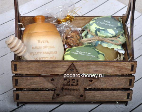 подарок с медом вареньем в ящике
