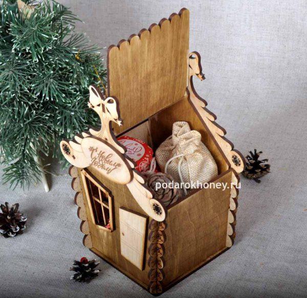 новогодний домик для подарков