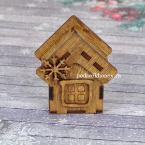 деревянная гирлянда